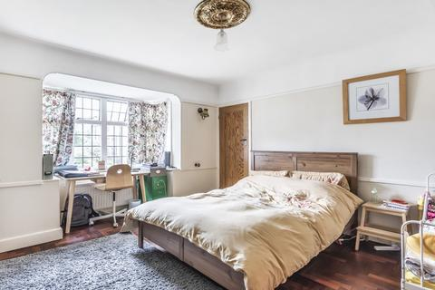 3 bedroom apartment to rent - Monks Drive London W3