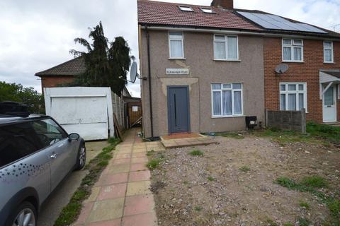 6 bedroom semi-detached house to rent - Burnham Road, Dagenham