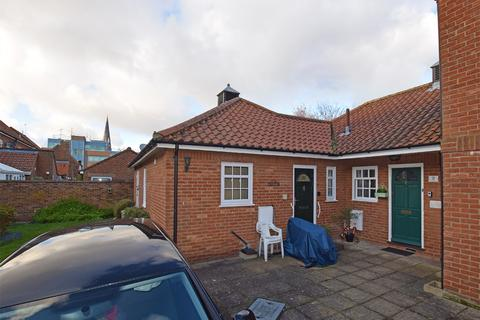 2 bedroom semi-detached bungalow for sale - Chapel Court, King's Lynn