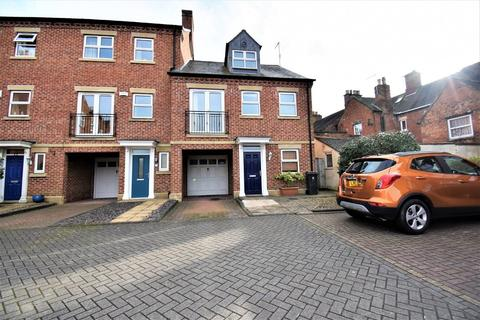 4 bedroom townhouse for sale - Thornley Place, Ashbourne