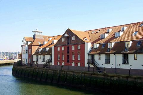 2 bedroom flat to rent - Stokebridge Maltings, Dock Street, Ipswich