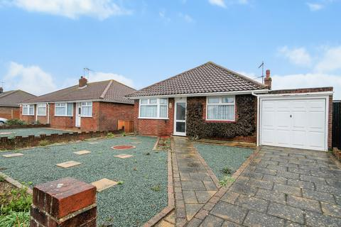 2 bedroom detached bungalow for sale - The Crescent, Lancing