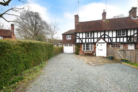 2 bedroom end of terrace house for sale - Rectory Lane, Charlwood, Surrey, RH6