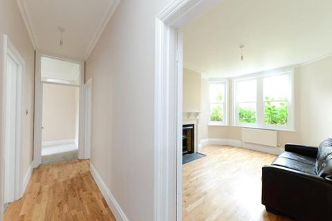 3 bedroom apartment to rent - Hayes Court, Camberwell, London, SE5