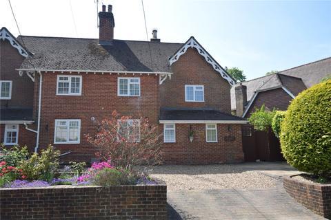 3 bedroom semi-detached house for sale - Castle Street, Medstead, Alton, Hampshire