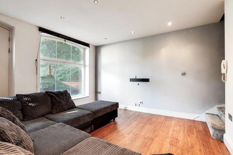 2 bedroom ground floor maisonette to rent - The Renovation, North Woolwich, E16
