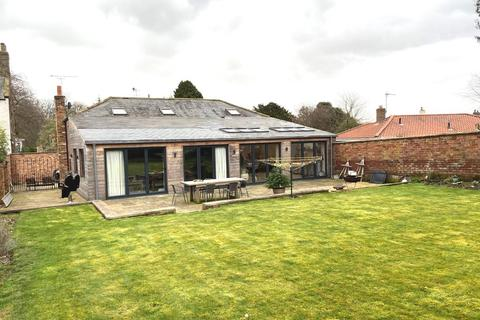 4 bedroom detached house for sale - North Street, Nafferton