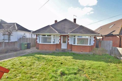 2 bedroom bungalow for sale - Downs View Road, Maidstone