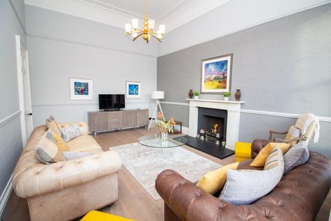 2 bedroom terraced house to rent - Blenheim Place, Calton Hill, Edinburgh, EH7