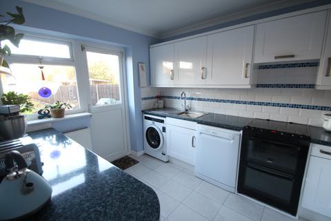 3 bedroom semi-detached house for sale - Redlands Lane PO14