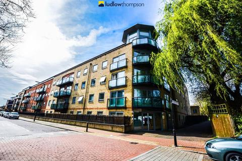 3 bedroom flat to rent - Rotherhithe Street, London SE16