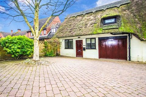2 bedroom cottage to rent - Moreton Road, Buckingham, MK18 1PE