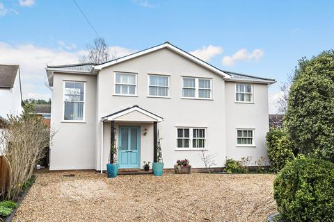 4 bedroom detached house for sale - Cuckoo Lane, West End, Woking, GU24