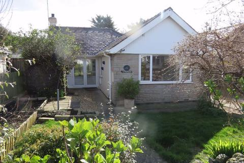 2 bedroom detached bungalow for sale - Maes Hyfryd, Moelfre, Isle Of Anglesey