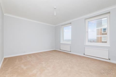 2 bedroom flat to rent - Grand Avenue, Hove