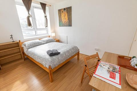 5 bedroom house share to rent - Ellen Street, London