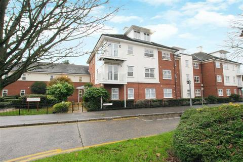 2 bedroom flat for sale - Taverners Lodge, Cockfosters, Herts