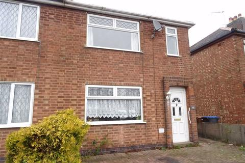 3 bedroom semi-detached house - Westfield Road, Hinckley