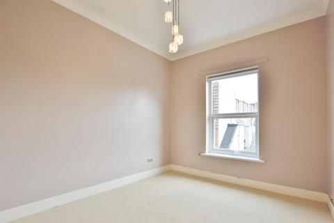 2 bedroom flat to rent - Woodside Road, Bournemouth