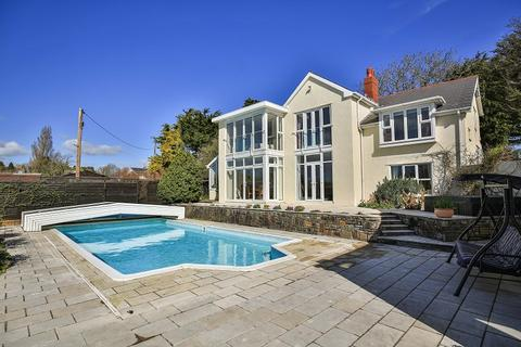 4 bedroom detached house for sale - Walnut Tree House, Cross Common Road, Dinas Powys, V of G. CF64 4TP