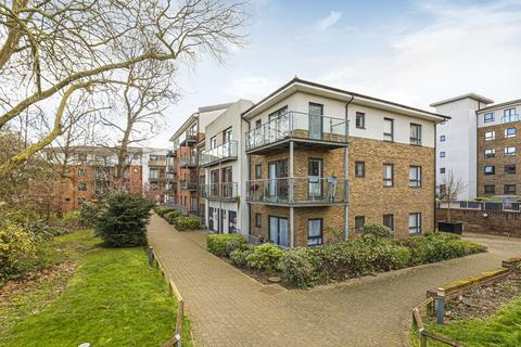 2 bedroom flat for sale - Desvignes Drive, Hither Green