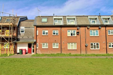 2 bedroom flat to rent - Salvington Road, Crawley, West Sussex. RH11 8UX
