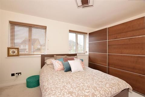 3 bedroom end of terrace house for sale - Moorhen Close, Erith, Kent
