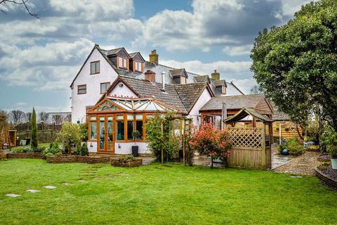 4 bedroom farm house for sale - Station Road, Woolaston, Lydney