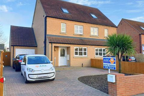4 bedroom semi-detached house for sale - St Johns Road, Spalding