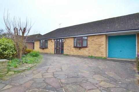 2 bedroom house to rent - Wolverton Gardens, Horley