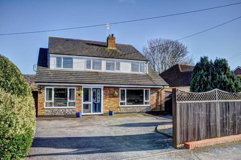 5 bedroom detached house for sale - Monks Risborough - Spacious Versatile Living