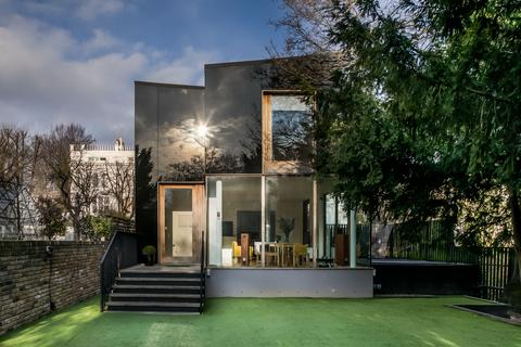 4 bedroom detached house for sale - The Tree House, Redberry Grove, London SE26