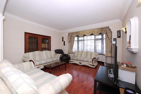 5 bedroom end of terrace house to rent - Eastern Avenue, Ilford, Essex. IG4