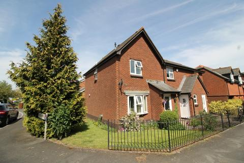 3 bedroom semi-detached house to rent - Alphington