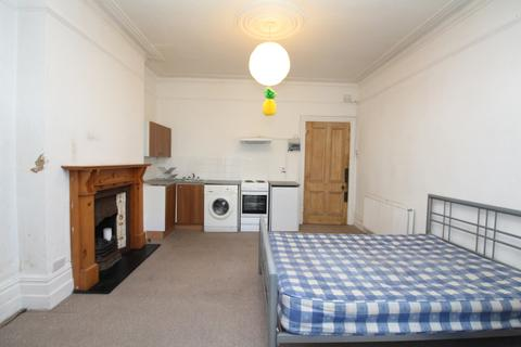 Studio to rent - Bargery Road, Catford, SE6