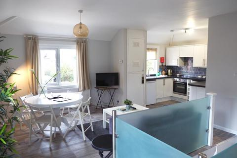 2 bedroom apartment to rent - Kennett Road, Headington, OX3