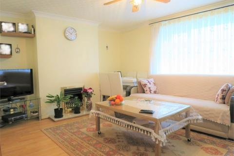3 bedroom flat for sale - Ordnance Road, Enfield, Greater London