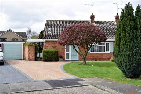 2 bedroom bungalow for sale - Orford Crescent, Old Springfield, Chelmsford