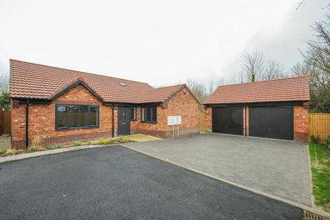 3 bedroom detached bungalow for sale - 16 Ullswater Place,  Newbold, Chesterfield, S41