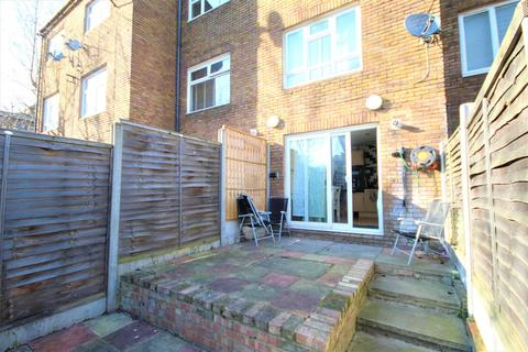 4 bedroom terraced house to rent - Columbia Road, Shoreditch E2