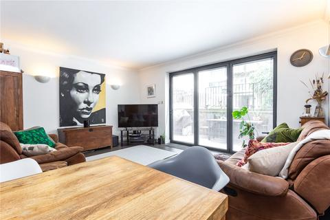 2 bedroom house for sale - Cheshire Street, London, E2