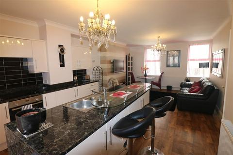 3 bedroom flat to rent - Story Street, Hull, East Yorkshire