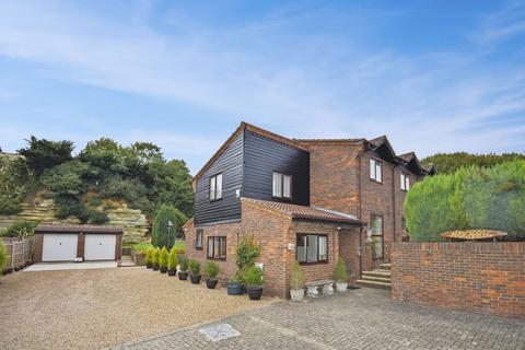 4 bedroom detached house for sale - Boughton Monchelsea, Nr. Maidstone, Kent