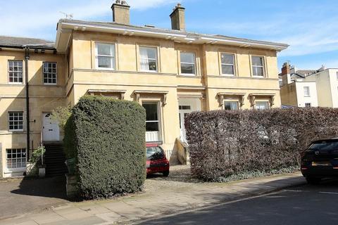 1 bedroom flat to rent - Pembury House, Lansdown Crescent , Cheltenham