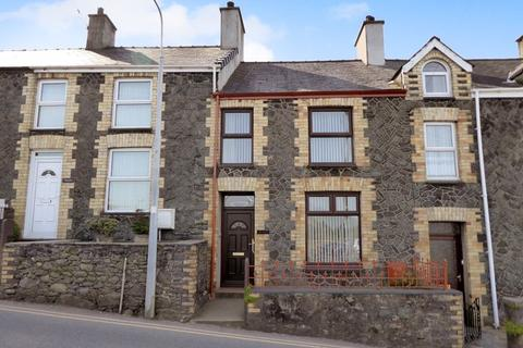 2 bedroom terraced house for sale - Groeslon