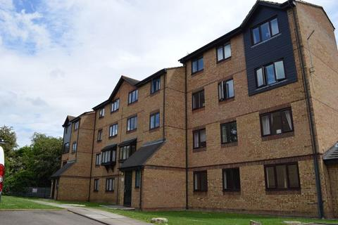 1 bedroom flat to rent - Waterville Drive, Basildon