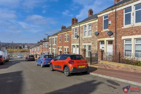 2 bedroom apartment to rent - Arkwright Street, Bensham, Gateshead