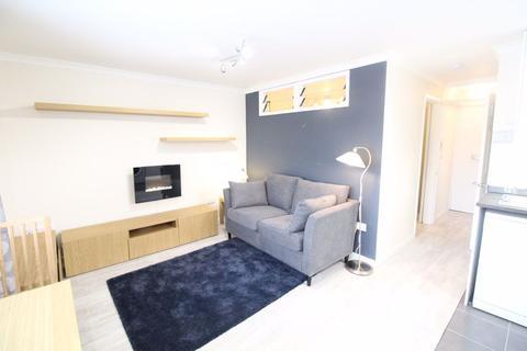 1 bedroom flat to rent - Handcross Road, Wigmore -  Ref - P9442