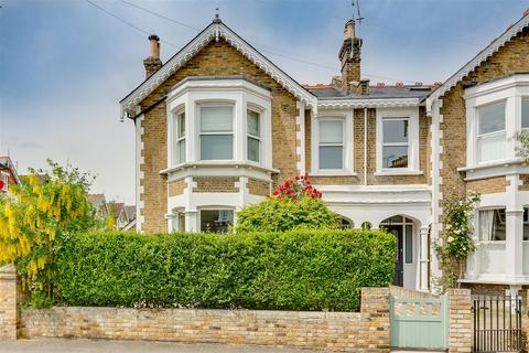 4 bedroom semi-detached house to rent - Sutton Lane North, London, W4