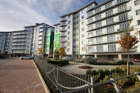 2 bedroom flat to rent - Wave Close, Walsall